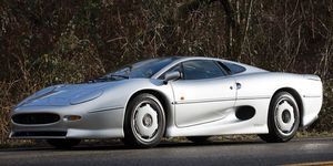 This 1994 Jaguar XJ 220 will tempt bidders nostalgic for the early '90s supercars.