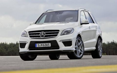 The 2012 Mercedes-Benz ML63 AMG has a seven speed automatic transmission.
