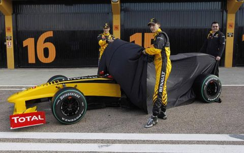 The launch of the Renault R30 in Valencia (Spain). Robert Kubica and Vitaly Petrov, unveil the Renault R30.