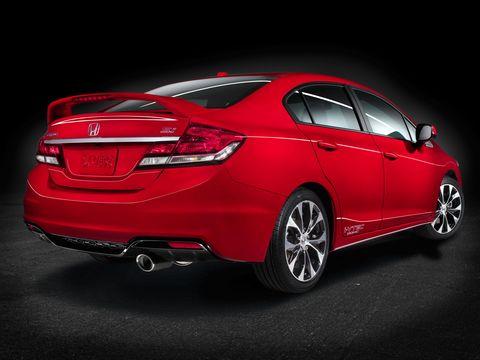 The 2014 Honda Civic Si Navi Sedan is looking better than ever.