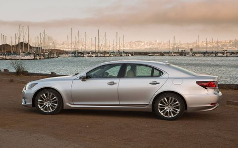 The EPA estimate fuel economy ratings of the LS460 is 16 mpg city/23 mpg highway/18 mpg combined.