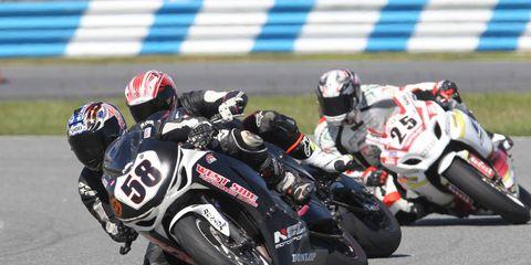 Bikes tako ver Daytona International Speedway on Saturday.