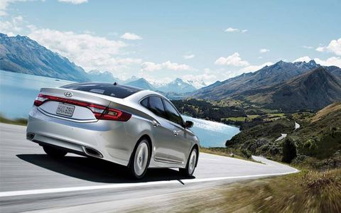 The 2014 Hyundai Azera Limited receives an EPA-estimated 23 mpg combined fuel economy.