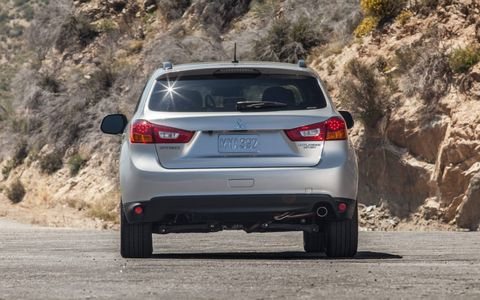 The 2014 Mitsubishi Outlander Sport SE is equipped with a naturally aspirated 2.0-liter I4.