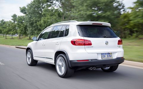 The driving experience from the 2014 Volkswagen Tiguan SE is rather benign.