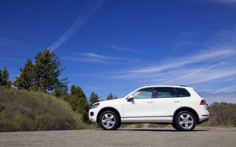 The 2014 Volkswagen Touareg TDI Lux is equipped with a 3.0-liter turbocharged diesel V6.