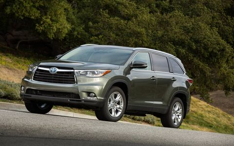 The Highlander Limited is good for 28 mpg on the highway.