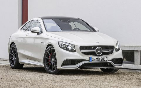 For the first time, the S63 AMG Coupe comes standard in the U.S. market with the AMG Performance 4MATIC all-wheel drive system.