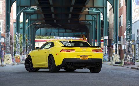 The 2015 Chevrolet Camaro 1LE 2SS Coupe is a good finale for the fifth generation Camaro.