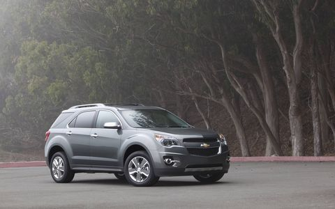 Chevrolet Equinox rolls into 2015 with new connectivity features that help drivers maintain their active lifestyles.
