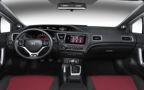 The 2015 Honda Civic Si has a six-speed manual transmission.