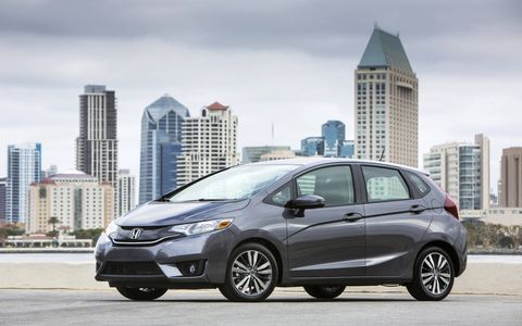 It's frustrating that the 2015 Honda Fit EX manual isn't available with navigation.