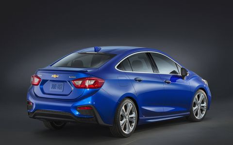 Wheel, Mode of transport, Automotive design, Blue, Automotive lighting, Car, Mid-size car, Full-size car, Electric blue, Majorelle blue,