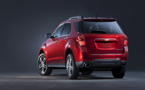 The 2016 Chevy Equinox showed off its facelifted interior and exterior at the 2015 Chicago Auto Show.