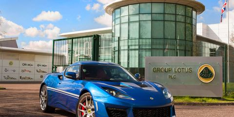 The Evora 400 will be offered in three colors: Essex blue, motorsport black and racing green.