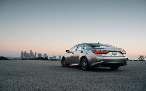The Lexus ES350 has a 268-hp V6 returning 30 mpg on the highway.