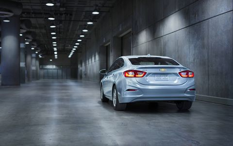 The Cruze Diesel comes standard with 1.4L turbocharged, direct-injection engine that enables 0-60 mph acceleration in 7.7 seconds.