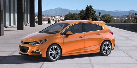 The 2017 Chevrolet Cruze hatchback shares a lot with its sedan sibling.