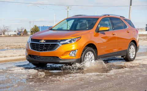 The 2018 Chevrolet Equinox diesel has 137 hp and 240 lb-ft of torque from a 1.6-liter DOHC turbocharged engine.