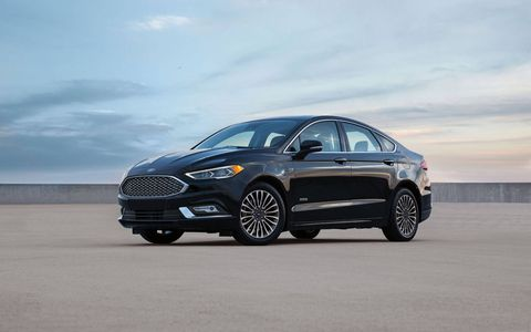 The new 2017 Fusion Energi can travel an EPA-estimated 610 miles on a full tank of gas and full battery charge, the highest combined range of any plug-in hybrid on the market in America.