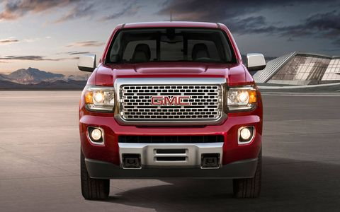 """Cab and bed configuration choices include an extended cab model with a 6' 2"""" bed, a crew cab with a 5' 2"""" bed and a crew cab with a 6' 2"""" bed."""