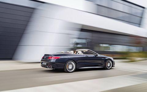 Tire, Wheel, Automotive design, Mode of transport, Vehicle, Car, Performance car, Rim, Automotive lighting, Automotive exterior,