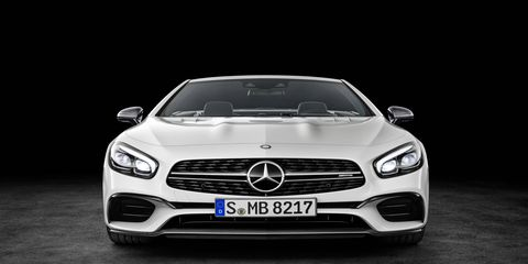 The night before the LA auto show Mercedes-Benz unveiled the 2017 SL roadster.