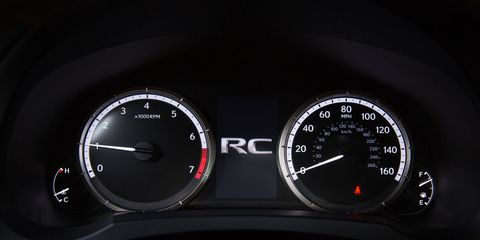 A 4.2-inch thin film transistor liquid crystal display (TFT LCD) at the center of the instrument cluster presents the full-color Multi Information Display (MID). Linked to the car's multimedia system, the MID can display vehicle, audio and navigation information.