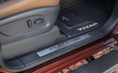For all body styles, Nissan relocated the shift lever on the the 2017 Titan to the steering column (from the previous-generation center console location) which puts controls within easy reach and creates a center console large enough to hold a computer tablet with case or a 15-inch laptop without giving up rear cupholders and 2nd row climate control vents.