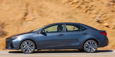 The Corolla gets a sportier look for 2017 thanks to a new front grille and LED headlamps. The L, LE and LE Eco grades gain bi-LED headlamps, while complex-LED headlamps come standard on SE, XSE and XLE grades. Redesigned 16-inch wheels are standard on the LE and XLE, while the SE and XSE step up into standard 17-inch alloy wheels.