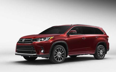 A first look at the 2017 Toyota Highlander ahead of the New York auto show.