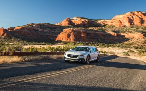 The 2018 Buick Regal TourX wagon gets a 2.0-liter turbocharged I4, all-wheel drive and an eight-speed automatic.