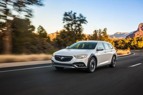 The 2018 Buick Regal TourX comes standard with AWD and a 250-hp 2.0-liter turbocharged I4.