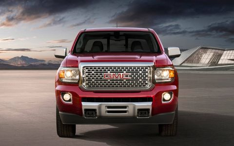 The 2018 GMC Canyon Denali has a Duramax diesel 2.8-liter turbocharged I4 producing 186 hp and 369 lb-ft of torque.