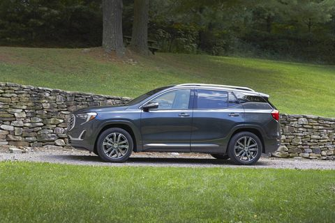 The 2018 GMC Terrain AWD Denali comes with a turbocharged 2.0-liter I4 and a nine-speed automatic that's good for 26 mpg on the highway.