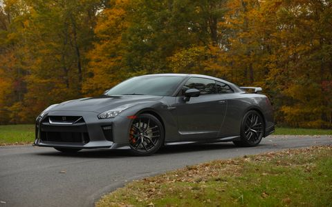 The 2018 Nissan GT-R Pure, Premium and Track Edition grades are equipped with an advanced 3.8-liter DOHC 24-valve V6 rated at 565 hp and 467 lb-ft of torque, dual-clutch sequential six-speed transmission and electronically controlled ATTESA E-TS all-wheel-drive system.