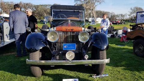 A Rolls-Royce hunting car.