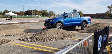 Land vehicle, Vehicle, Car, Pickup truck, Truck, Transport, Automotive tire, Road, Asphalt, Tire,