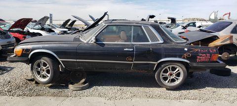 Land vehicle, Vehicle, Car, Automotive tire, Mercedes-benz r107 and c107, Tire, Rim, Mercedes-benz, Wheel, Classic car,