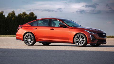 Land vehicle, Vehicle, Car, Full-size car, Mid-size car, Motor vehicle, Automotive design, Personal luxury car, Executive car, Rim,