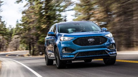 The Ford Edge ST comes with a 335-hp 2.7-liter twin-turbo V6.