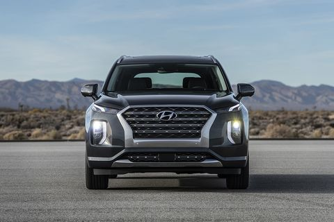 The Hyundai Palisade SUV gets a chunky, purposeful exterior appearance and is about the same size as competitors like the Ford Explorer and Nissan Pathfinder.