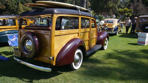 1940 Ford Deluxe Woody Wagon