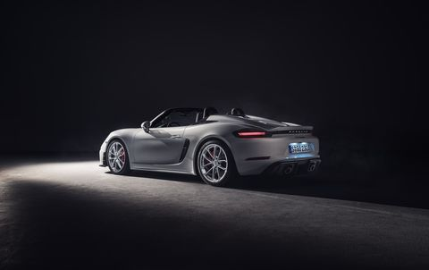 Porsche is bringing back the Spyder and GT4 concept, packing a 414 hp, 309 lb-ft naturally aspirated 4.0-liter flat-six into the superbly balanced 718 chassis.