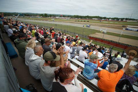 Crowd, People, Audience, Community, Event, Sport venue, Stadium, Tourism, Team,