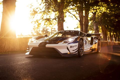 The Ford GT Mk II celebrates Independence Day in England in the best possible way at the Goodwood Festival of Speed