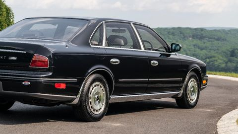 The President shared most of its parts with the Q45, but there are a few subtle differences.