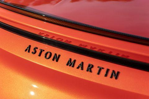 The2019 Aston Martin DBS Superleggera Volantein detail
