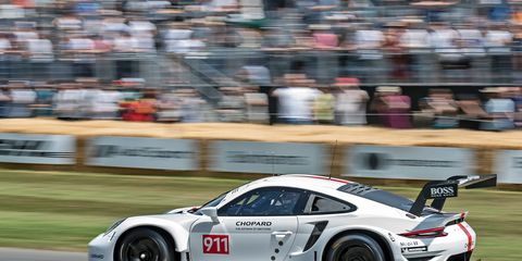 911 RSR goes up the hill at Goodwood