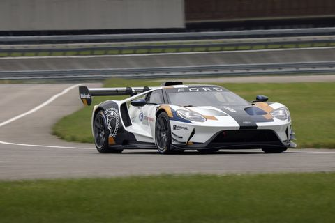 See the Ford GT Mk II in action at the test track, using its 700 hp, racing slicks and 1900 lbs of down force